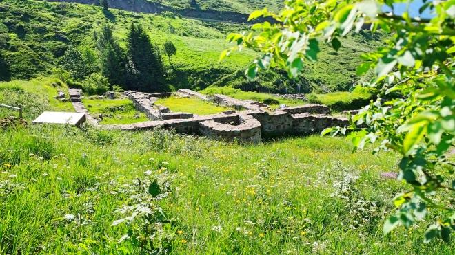 Camino Aragones Klostergrundmauern