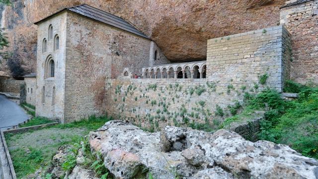 Camino Aragones Monasterio San Juan de la Pena