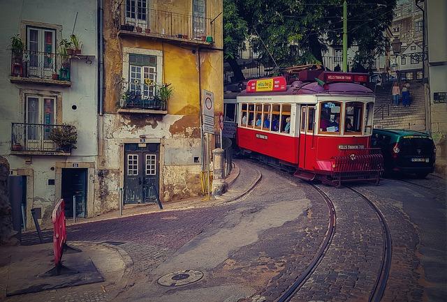 Camino Portugues Lissabon Tram