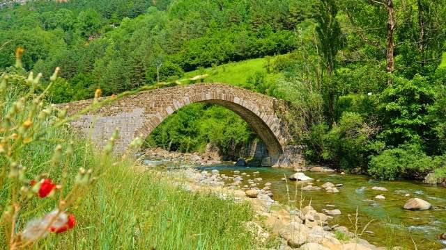 Jakobsweg-Route-alte-Brücke