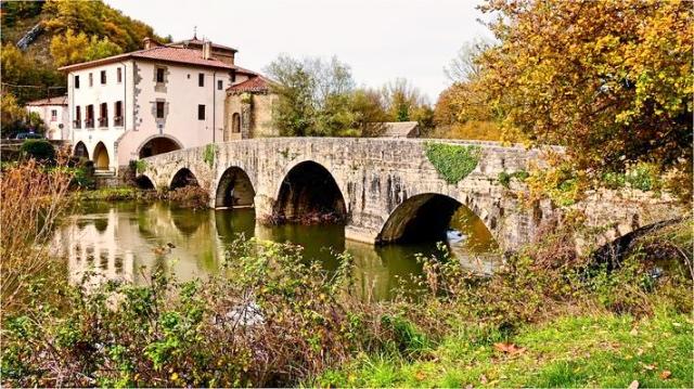 zuriain-with-puente-de-iturgaiz